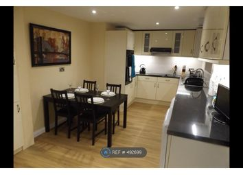 Thumbnail Room to rent in Rowtown, Addlestone