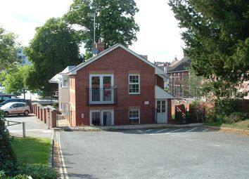 2 bed flat to rent in Clifton Road, Exeter EX1