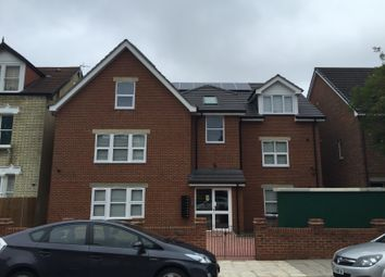 Thumbnail 2 bed flat to rent in Oakdale Road, London