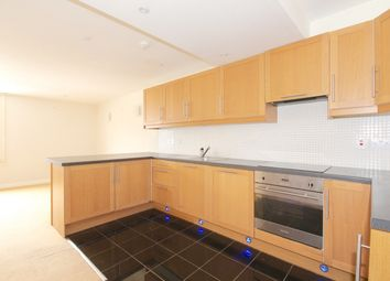 Thumbnail 2 bed flat to rent in Queen Street, Abingdon