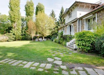 Thumbnail 5 bed property for sale in Rueil Malmaison, Paris, France