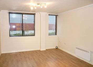 Thumbnail 1 bedroom flat to rent in Mill Street, Luton, Beds
