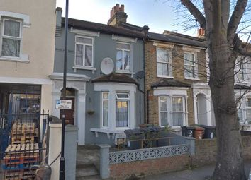 Thumbnail 2 bedroom flat to rent in Buckland Road, Leyton
