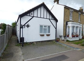 Thumbnail 2 bed detached bungalow to rent in Southsea Avenue, Leigh-On-Sea, Leigh-On-Sea, Essex.
