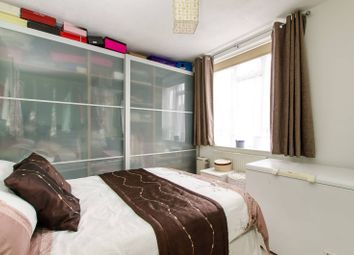 Thumbnail 2 bed flat for sale in Vauxhall Street, Kennington