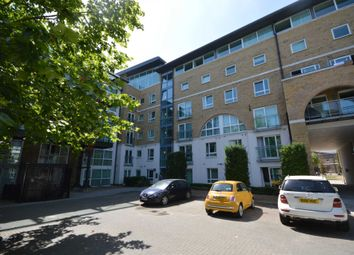 Thumbnail 2 bed property to rent in Hopton Road, London