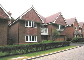 Thumbnail 5 bed property to rent in Eggleton Drive, Tring, Hertfordshire