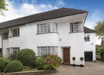 Thumbnail 4 bedroom cottage for sale in Kingsley Close, London