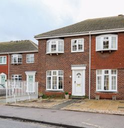 3 bed property to rent in Clarence Place, Deal CT14