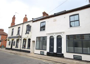 2 bed flat to rent in Overstone Road, Northampton NN1