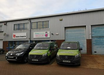 Thumbnail Warehouse to let in Martinfield, Welwyn Garden City