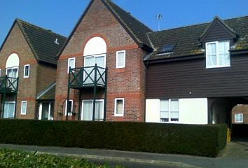 Thumbnail 2 bed flat to rent in Dyson Close, Newbury