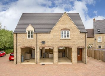 Thumbnail 2 bed flat to rent in Buttercross Lane, Witney