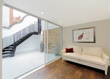 Thumbnail 3 bed flat to rent in Cadogan Gardens, London