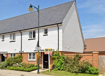 3 bed end terrace house for sale in Holly Way, West Malling, Kent ME19