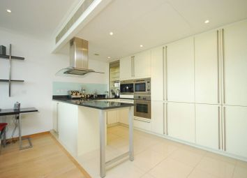 Thumbnail 1 bed flat to rent in Canary Wharf, Canary Wharf