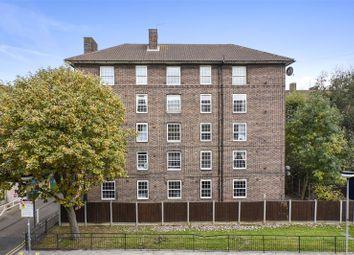Thumbnail 4 bed flat to rent in Hollybush House, Hollybush Gardens, Bethnal Green, London