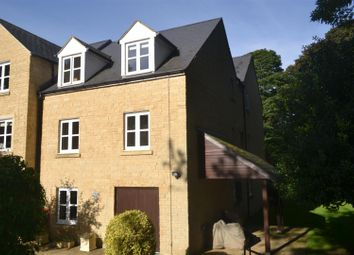 Thumbnail 1 bed flat for sale in Wards Road, Chipping Norton