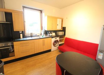 Thumbnail 3 bed flat to rent in St Clair Street, Top Floor