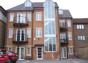 Thumbnail 2 bed flat to rent in High Street, Addlestone