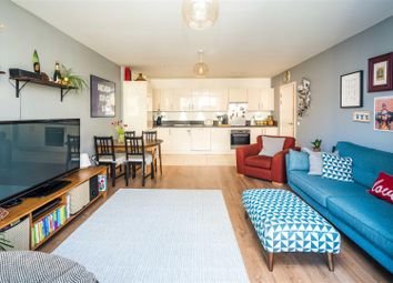 Thumbnail 2 bed flat for sale in Greenland Place, Surrey Quays