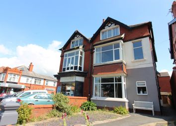 2 bed flat to rent in Derbe Road, Lytham St Annes FY8