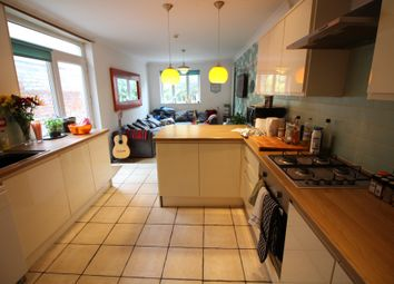 Thumbnail 6 bed flat to rent in City Road, Roath, Cradiff
