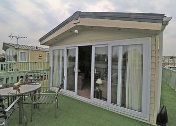 Thumbnail 2 bed mobile/park home for sale in Seven Lakes, Ealand, Scunthorpe