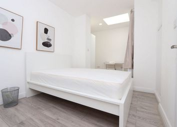 Basildon Avenue, Ilford IG5. Room to rent          Just added