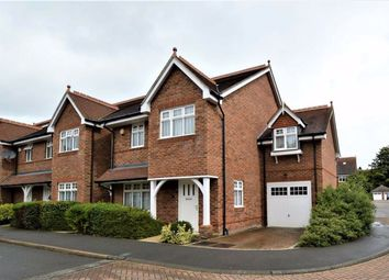 Imperial Way, Croxley Green, Rickmansworth Herts WD3. 5 bed detached house