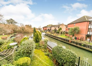 Thumbnail 3 bedroom town house to rent in Heron Island, Caversham, Reading