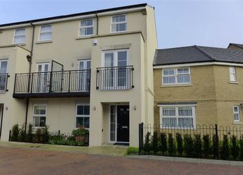 4 bed town house to rent in Autumn Way, West Drayton, Middlesex UB7