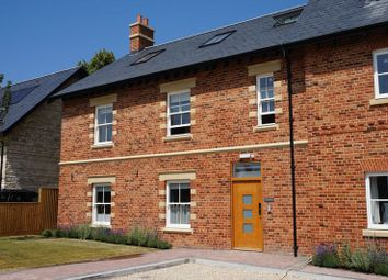 Thumbnail 3 bed flat to rent in Cobbetts Close, Eynsham, Witney