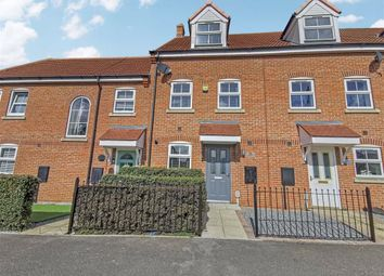 3 bed town house for sale in Hall Leys Park, Kingswood, Hull HU7