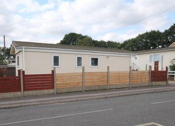 1 bed mobile/park home for sale in Martins Park, Sandy Lane, Farnborough GU14