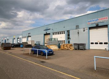 Light industrial to let in Summit Centre, Summit Road, Potters Bar, Hertfordshire EN6
