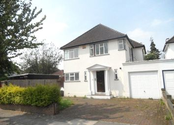 3 bed detached house to rent in Corringway, Ealing, London W5