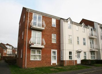 Thumbnail 2 bed flat to rent in Redwing, Aylesbury