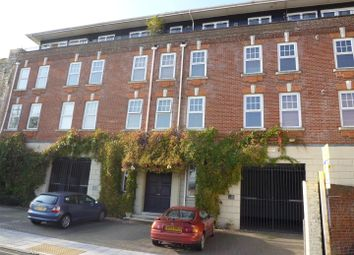 Thumbnail 2 bedroom flat to rent in Lower Canal Walk, Southampton