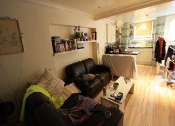 3 bed terraced house to rent in Battersea Bridge Road, Wandsworth SW11