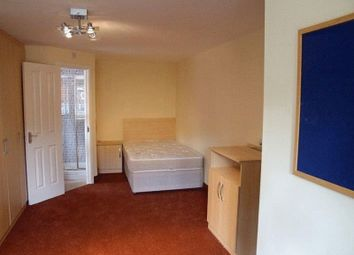 Room to rent in The Lodge, Duncan Smith House, Ferncliffe Road, Birmingham B17