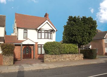 3 bed detached house for sale in Montrose Avenue, Luton, Bedfordshire LU3