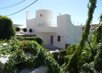 Thumbnail 3 bed villa for sale in Estepona, Málaga, Andalusia
