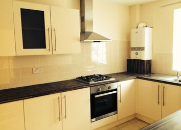 2 bed maisonette to rent in Sparrow Green, Dagenham RM10