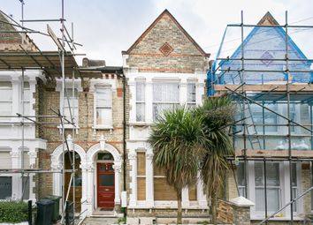Thumbnail 1 bed flat to rent in Kingscourt Road, London