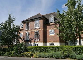 Thumbnail 2 bedroom flat to rent in Farriers Mews, Abingdon-On-Thames