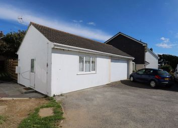 Thumbnail Studio to rent in Pentire Crescent, Newquay