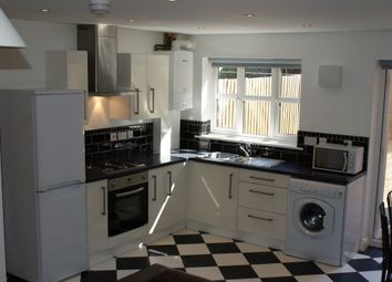 Thumbnail 5 bed property to rent in Macaulay Street, Knighton Fields, Leicester