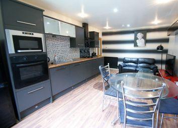 Thumbnail 3 bedroom flat to rent in The Poplars, Headingley, Leeds