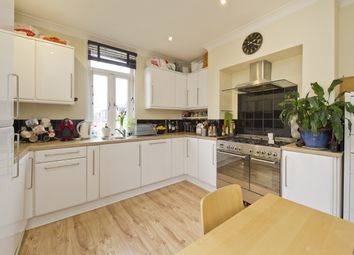 3 bed maisonette to rent in Station Road, Hanwell, London W7